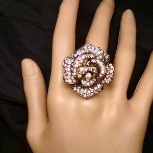 Jewelry - Elegant Fancy Rose Flower Rhinestones Sexy Ring